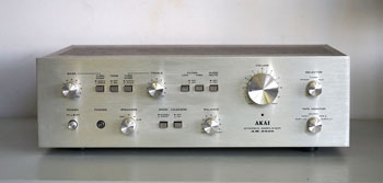Akai AM-2400 Vintage Audiophile Amplifier