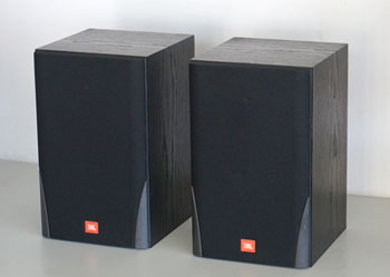 JBL MR25 Bookshelf Speakers