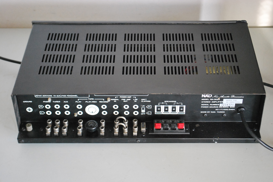 NAD 3020 Audiophile Amplifier Picture 2