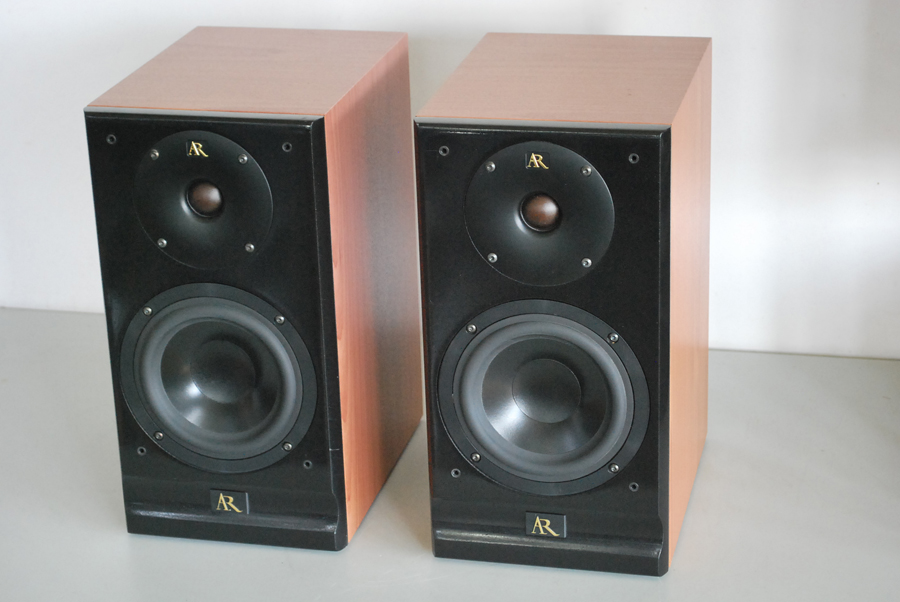 Acoustic Research Status S10 Bookshelf Speakers Picture 1