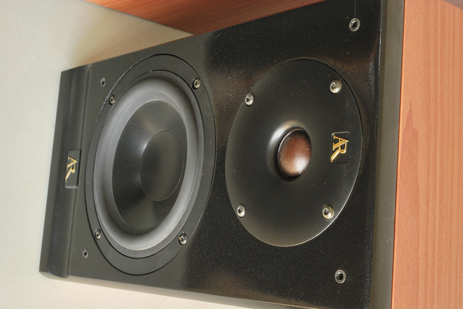 Acoustic Research Status S10 Bookshelf Speakers Picture 3